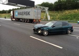 Ongeval met meerdere voertuigen op de A15 bij Barendrecht
