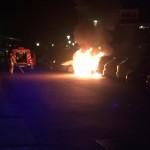 Auto's in brand aan de Vlierwede