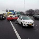 Drie gewonden bij kop-staart aanrijding A29, Barendrecht