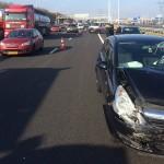 Ongeval met twee personenauto's en vrachtwagen op de A15 bij Barendrecht