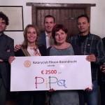 Gift voor Stichting PiPa en Zorgnijverij van Rotary Club Rhoon-Barendrecht