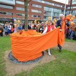 Koningslinde onthuld aan het Middeldijkerplein in Barendrecht