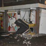 Plofkraak op geldautomaat Muziekplein: gevel volledig eruit geblazen