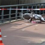 Aanrijding tussen scooter en fiets op de Breslau(pad)/Harmonielaan in Barendrecht