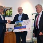 Cheque van €1.000 voor Hospice Barendrecht