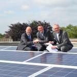 Eerste zonnepanelenpark langs de A15 bij Barendrecht