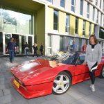 In een Ferrari naar de diploma uitreiking van de Focus Beroepsacademie