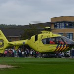 Traumahelikopter ter assistentie naar de Rietdekkerij in Barendrecht (Carnisselande)