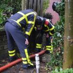 Brandweer druk met wateroverlast en stormschade meldingen (Foto: Wateroverlast tuin en kelder aan de Voordijk in Barendrecht)