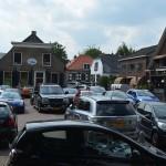 Auto's op het Doormanplein, Oude Dorpskern, Barendrecht