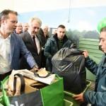 Officiële opening Afval loont: Geld verdienen met afval inleveren in Barendrecht