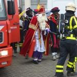 Sinterklaas met stoomtrein en brandweerauto aangekomen in Barendrecht