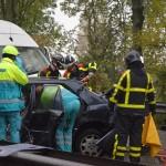 Groot ongeluk met 4 auto's op de Dierensteinweg in Barendrecht