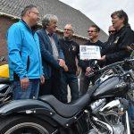 Hospice ontvangt cheque van €4.500 van Hemelvaart Motorrit