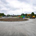 Werkzaamheden nieuwe rotonde en bushaltes Henry Dunantlaan in laatste fase