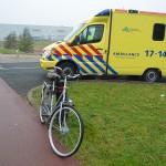 Aanrijding tussen auto en fiets aan de Breslau in Barendrecht