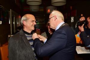Harry Spermon van Tennisvereniging Barendrecht ontvangt Koninklijke Onderscheiding