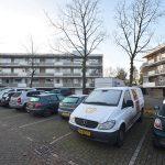 5 jongeren aangehouden voor 'dansen' op daken van auto's in Oude Dorpskern