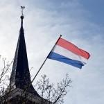 Nederlandse Vlag op de Dorpskerk in Barendrecht
