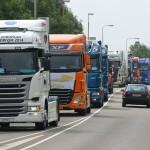 Zwaaien, toeteren en veel blije gezichten bij Truckrun Barendrecht 2014