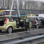 Aanrijding met letsel met 2 auto's op de A29 bij Barendrecht