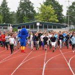 Leerlingen Dalton Lyceum rennen €2.500 bij elkaar voor Taxi Bakker Runners