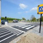 Nieuwe oversteekplaats en parkeerterrein Dierensteinweg klaar