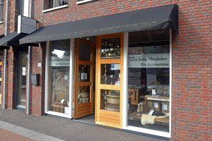 Winkel NiksNieuws in de Dorpsstraat heeft een nieuwe naam