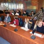 Groep-7 leerlingen presenteren ideeën aan burgemeester en wethouder