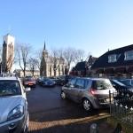 Auto's geparkeerd op het Doormanplein, Barendrecht