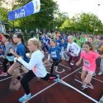 327 kinderen over de finish van Scholenkampioenschappen bij CAV Energie in Barendrecht