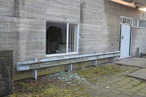Drie jeugdigen betrapt tijdens vernielingen aan Centrumpost