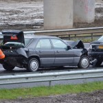 Gewonde bij aanrijding auto's en vrachtwagen in bocht A15 naar A29 (Barendrecht)