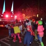 Carnavalsoptocht rond het Griegplantsoen in Barendrecht (Wijk Nieuweland)