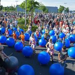 Scholieren starten derde dag Avondvierdaagse met drum tastic