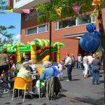 Terras van Humanitas Inclusief op het Middeldijkerplein officieel geopend