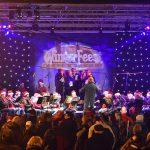 Optredens van Harmonievereniging tijdens kerstdagen in Het Kruispunt, Bethelkerk en Dorpskerk