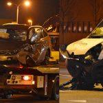 Twee gewonden bij aanrijding bestelbus/personenauto op de Kilweg