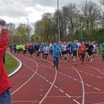 Hardlopers Oude Maasloop trotseren stevige paasstorm