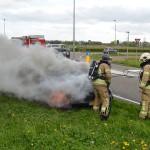 Auto uitgebrand aan de Leedeweg / Middeldijk in Barendrecht