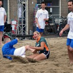 Beach Soccer toernooi van start op het Doormanplein in Barendrecht
