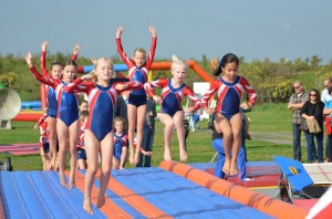 Opening door Gymnastiekvereniging Barendrecht van het GreensParade Festival 2014 in Barendrecht