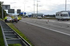 File door ongeval met vier auto's op de A29 bij Barendrecht