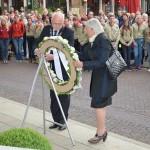 Twee minuten stilte tijdens dodenherdenking op het Doormanplein in Barendrecht