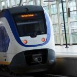 Trein (sprinter) op het NS station van Barendrecht