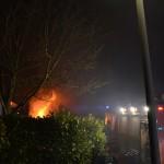 Uitslaande gebouwbrand aan de Rooverevliet in Barendrecht
