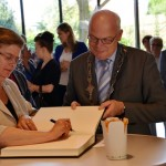 Ambassadeur Tsjechië opent tentoonstelling Jan Hus in gemeentehuis Barendrecht