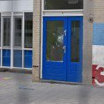 Vernielingen op verlaten schoolplein aan Van Ravesteyndreef, Barendrecht