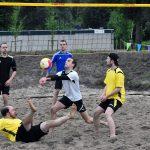 Wethouder opent Beach sportvelden én wint eerste volleybaltoernooi