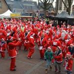 Kerstmannen en vrouwen rennen door Barendrecht, opbrengst: €4.369,-